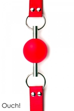 Solid Ball Gag rouge - Ouch!  : Bâillon boule de grande qualité et original avec sa balle en caoutchouc traversée par une tige en métal.